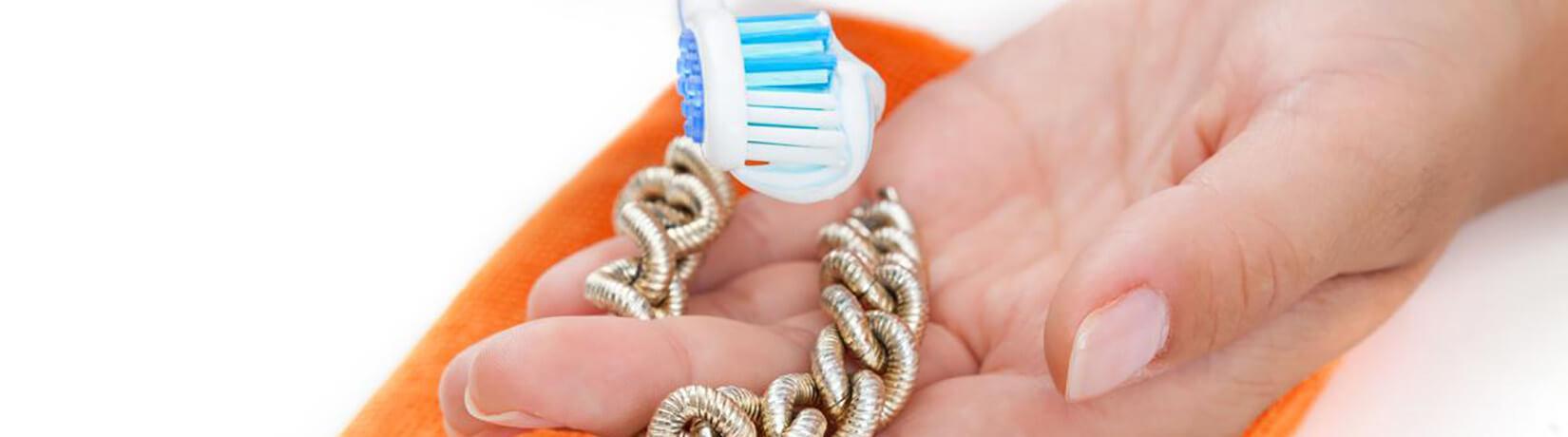Не тільки для зубів: незвичайне використання зубної пасти